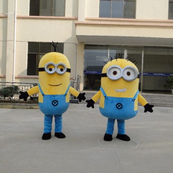 Minion Costume for Adults 8
