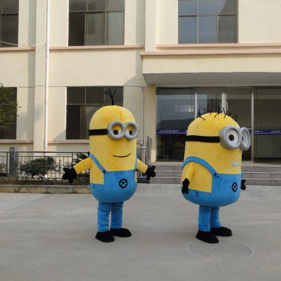 Minion Costume for Adults 11