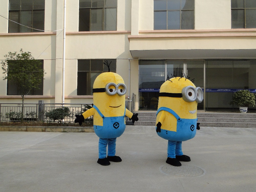 Minion Costume for Adults 6