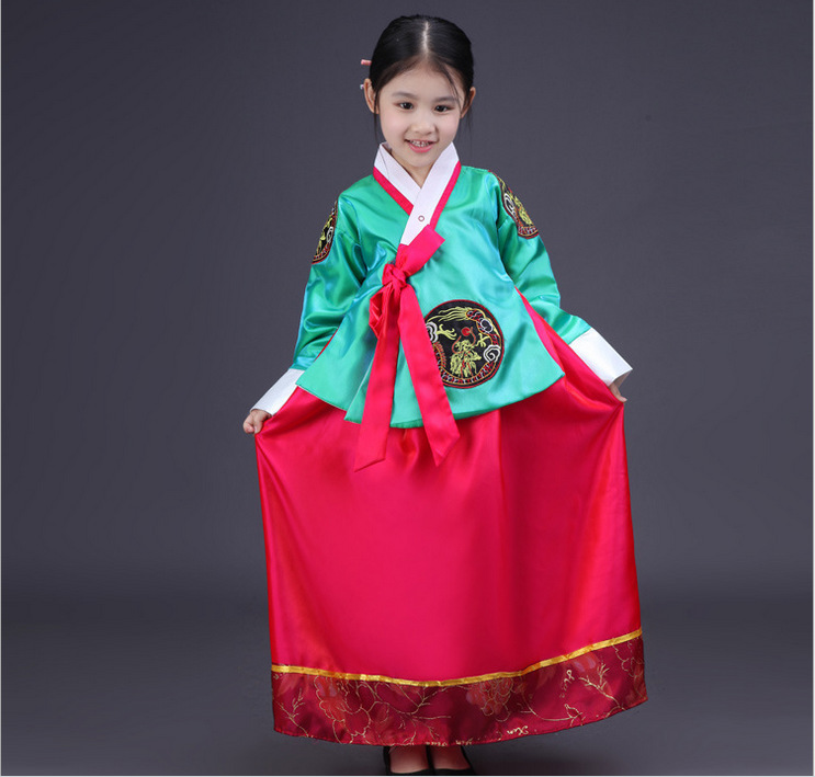 Embroidered Korean Princess Costume 6