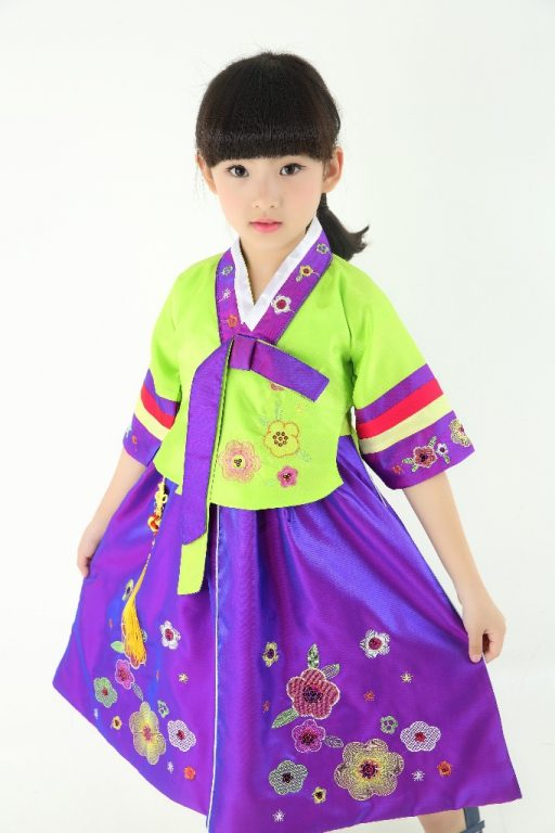Traditional Korean Costumes for kids 4